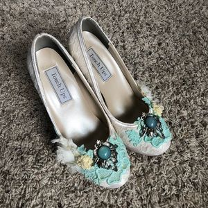 Vintage style wedding heels